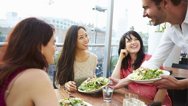 Strategies for Eating Healthily in a Chain Restaurant